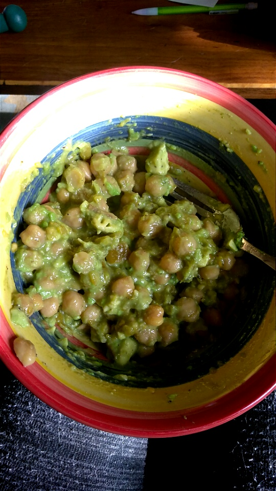Instant Lunch: Chickpeas w/ Green Chile & Smashed Avocado